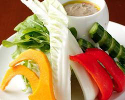 本日のおすすめメニュー「旬野菜のバーニャカウダ」@恵比寿の大人の隠れ家 鉄板焼き バンブーグラッシィ(テイクアウト・デリバリーもやってます!)