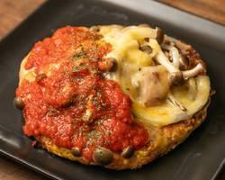 本日のおすすめメニュー「たっぷりキノコのピザ風お好み焼き」@恵比寿の大人の隠れ家 鉄板焼き バンブーグラッシィ(テイクアウト・デリバリーもやってます!)