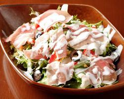 本日のおすすめメニュー「生ハムといろどり野菜のサラダ」@恵比寿の大人の隠れ家 鉄板焼き バンブーグラッシィ(テイクアウト・デリバリーもやってます!)