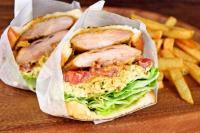 本日のおすすめメニュー「柔らかいタンドリーチキンサンドイッチ」@恵比寿の大人の隠れ家 鉄板焼き バンブーグラッシィ