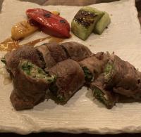 本日のおすすめメニュー「和牛肩ロースと香味野菜の肉巻き」@恵比寿の大人の隠れ家 鉄板焼き バンブーグラッシィ(テイクアウト・デリバリーもやってます)