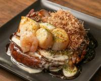 本日のおすすめメニュー「海鮮てんこ盛りのお好み焼き」@恵比寿の大人の隠れ家 鉄板焼き バンブーグラッシィ