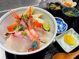 【営業中】本日のおすすめメニュー「海鮮丼定食」@五感で愛媛を堪能出来るお店 大洲炉端 油屋